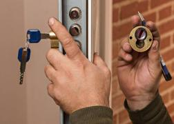 Installation, opening, repair of door locks quickly and inexpensively